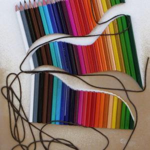 Lápices-madera-cordón, 25x36x5cm, 2011